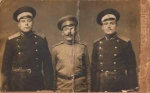 Отец Тарезы Иван Адольфович (слева)
